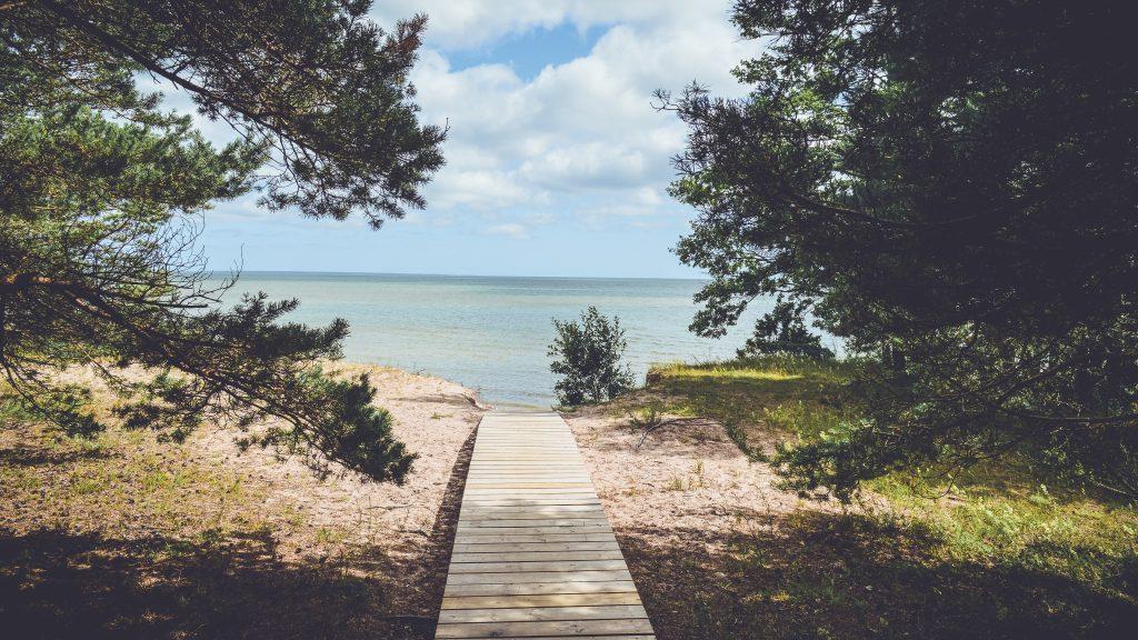 6 Ways to Enjoy a Staycation