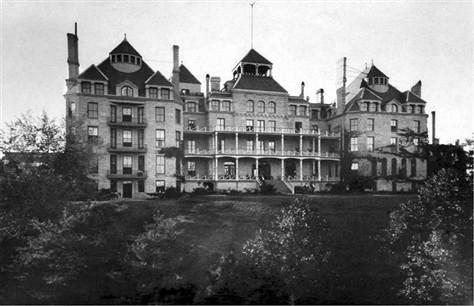 Crescent-Hotel-Eureka-Springs-Arkansas