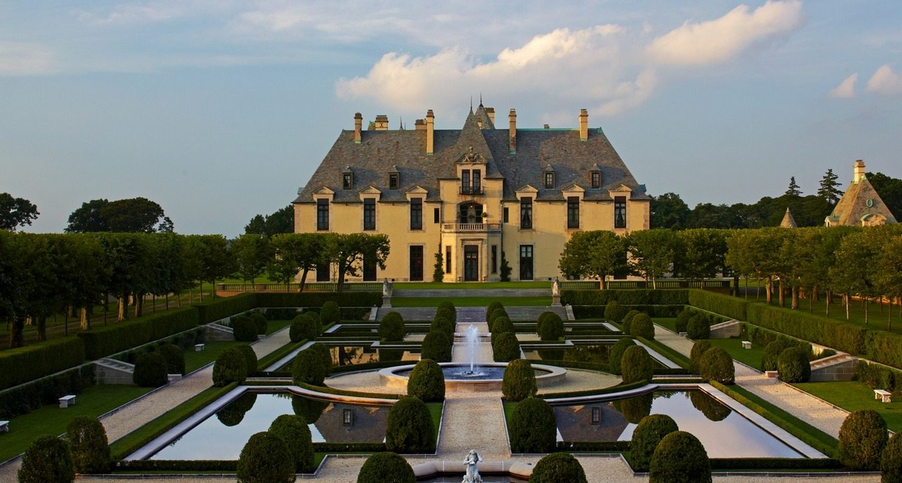 Take A Tour Of Oheka Castle With Taylor Swift Drive The