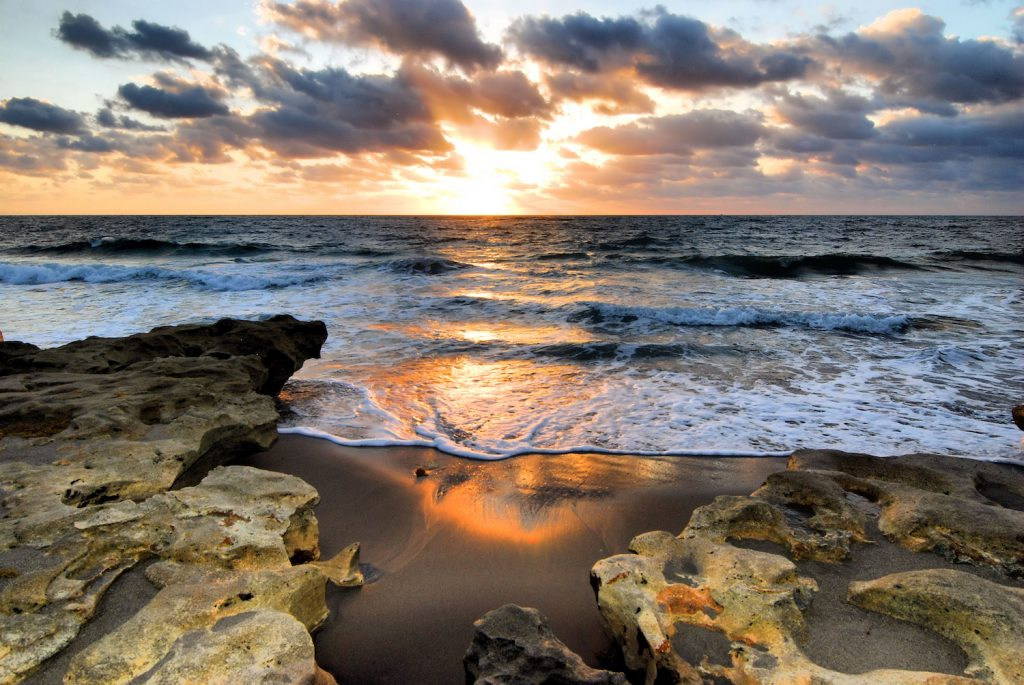Sunrise at the Carlin Beach Park near Jupiter, Florida