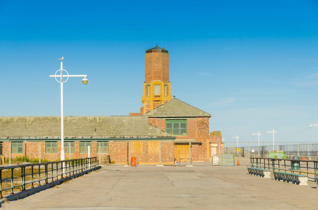 Jacob Riis Park, Rockaway, Queens, NYC, USA: boardwalk and old bathouse