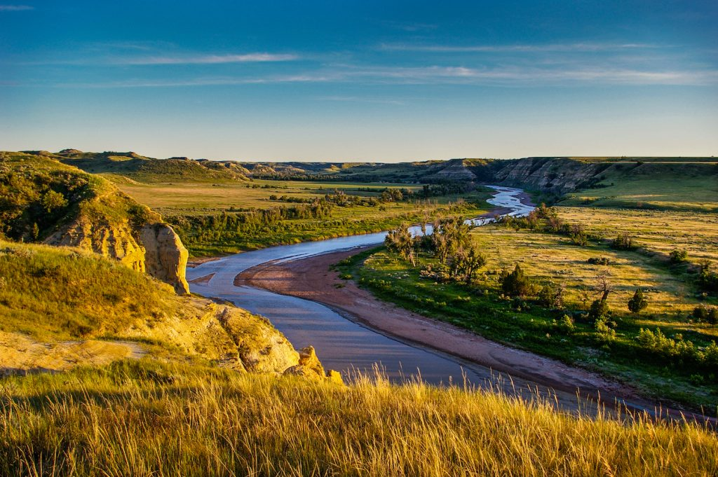 The Little Missouri River winds its way through the North Dakota Badlands