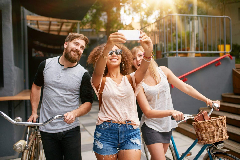 selfie travel app