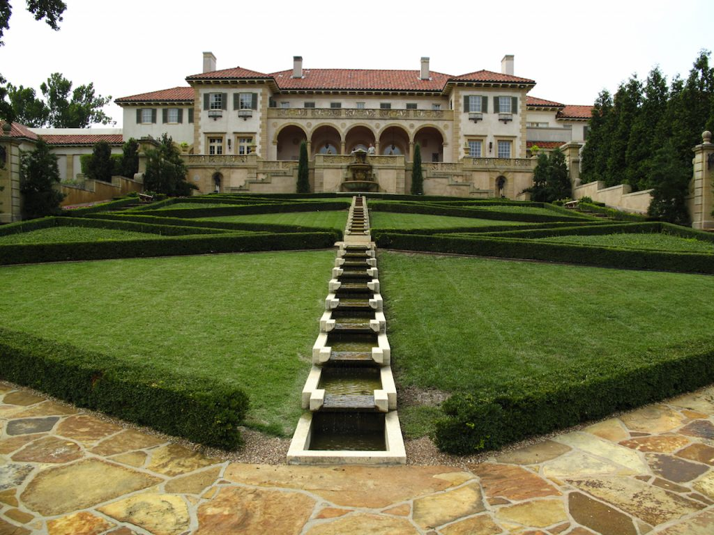 Back lawn of Philbrook Museum in Tulsa Oklahom